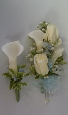 calla lily and rose corsage with matching boutonniere