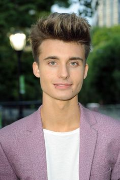 Christian Collins YouTube Vet At 19, And Growing Exponentially: An Interview With WeeklyChris - Forbes