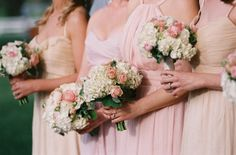It's a fact --Jen Farielloand gorgeous weddings go hand-in-hand. So the very second she sent over this Charlottesvillecharmer, we knew pretty-filled moments were just a quick click away. And withSouthern Blooms by Pats Floral Designs,just a little ditty, andBella Figurabehind every
