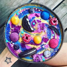 * Werbung * Happy 🎉 Nach einer längeren Pause bin ich … – Arete – More from my site Cini-Minis-CupcakesModern Blueberry Smoothie – Healthy Dine OutHappy-EasterSmoothie Smoothie Bowl, Smoothie Recipes, Smoothies, Cute Food, Yummy Food, Kreative Desserts, Cute Baking, Rainbow Food, Aesthetic Food