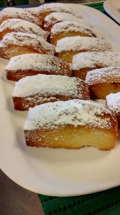 Lemon and coconut cake - HQ Recipes Lemon Recipes, Sweet Recipes, 1234 Cake, Lemon And Coconut Cake, Delicious Deserts, Pan Dulce, Almond Cakes, Bakery Recipes, French Pastries