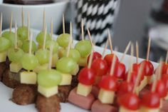 coctailtikut Childrens Party, Party Snacks, Yummy Drinks, Sweet Recipes, Brunch, Food And Drink, Birthday Parties, Eat, Cooking