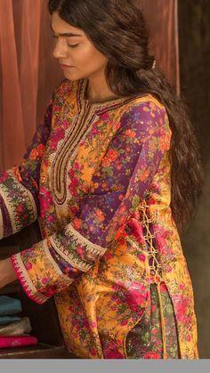 Eid Dresses For Girl, Stylish Dresses For Girls, Simple Dresses, Casual Dresses, Formal Dresses, Pakistani Fashion Casual, Pakistani Dresses Casual, Pakistani Dress Design, Pakistani Clothing