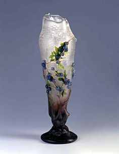 Daum Frères. Vase Prunelles. 1909. Musée de l'École de Nancy - France