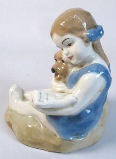 dating porcelain figurines himmelblau dating