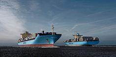 Merchant Navy, Merchant Marine, Lion Live Wallpaper, Maersk Line, Oil Refinery, Oil Rig, Weird Cars, Construction, Armada