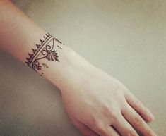 You can do more than you think quote tattoo Small Henna Designs, Pretty Henna Designs, Henna Tattoo Designs Simple, Beginner Henna Designs, Mehndi Designs For Fingers, Henna Designs Wrist, Mandala Tattoo Design, Henna Mehndi, Mehendi