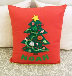 My Sister's Suitcase: Homemade for the Holidays: Day 4 {Kids Christmas Pillows}