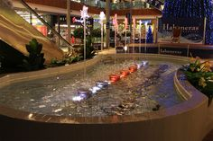 12 Fountains In Shopping Malls Ideas Shopping Malls Fountains Water Features