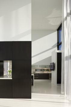 Minimalist Space on to Kitchen (SMA)
