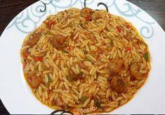"""Νόστιμη συνταγή μαγειρικής από """"Οι Γεύσεις της Ελένης""""       ΥΛΙΚΑ  500-600 γρ. Γαριδες μικρές καθαρισμένες  400 γρ. Κριθαράκι μέτριο  6-7 ντοματακια πομοντορια κομμένα σε καρέ  Μαϊντανό  2 κρεμμυδια μεγαλα κομμενα σε καρέ  1 κ.γ. σκορδο σε σκόνη  1 πιπεριά Φλωρίνης κομμένη Greek Recipes, Cabbage, Food And Drink, Cooking Recipes, Vegetables, Ethnic Recipes, Crochet, Chef Recipes, Greek Food Recipes"""