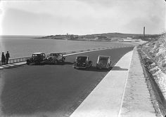Estrada Marginal, Santo Amaro (M. Novais, post 1937) Portugal Travel, Capital City, Old Pictures, Historical Photos, Portuguese, Beautiful Places, Black And White, Country, Photography
