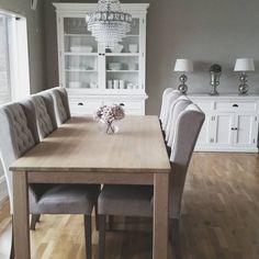 Ny uke, ny mulighet ♡ Ha en fin dag! #interior125 #interior4you1 #interiorstyled #interiorwarrior #skandinaviskehjem #shabbyyhomes #beautifulhomeinspo #inspo2you #inspohome #inspirasjon #homeamour #finahem #finehjem #dreamhome555 #ninterior #mminterior #blizzinterior #interior444 #interior_and_living #interior123 #bedroom #bymadsmagazine #passion4interior #interior123 #inspohome #rivieramaison #florencedesignnorway #homeandcottage #homeamour #wonderfulrooms #interiorstyled