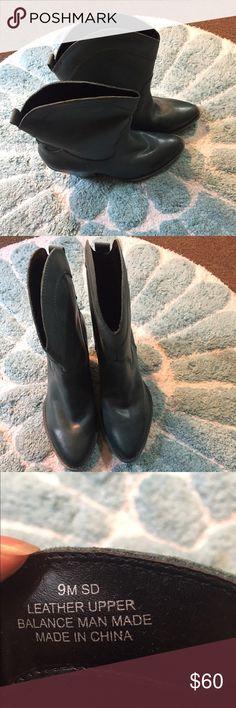 Mojo Moxy leather cowboy boots. Size 9. Mojo Moxy bluish green leather cowboy boots. Size 9. Mojo Moxy Shoes Heeled Boots