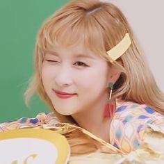 Xuan Yi, Cosmic Girls, Magical Girl, Make Me Smile, Kpop Girls, Yuri, Girl Group, My Girl, Goats
