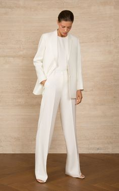 Minimal blazer by bouguessa moda operandi White Pant Suit Women, White Suits, Blue Suits, Women's Suits, Suit Fashion, Daily Fashion, Fashion Outfits, Fashion Hacks, 80s Fashion