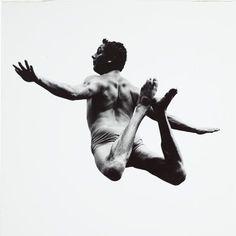AARON SISKIND, TERRORS AND PLEASURES OF LEVITATION 1961: http://sfmoma.org/explore/collection/artwork/18434#ixzz1jBZ0Mm00