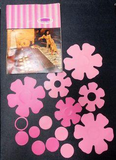 Vintage 1970s Rubbermaid Pink Bathtub Non Slip Applique Flowers