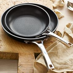 Save on this nonstick fry pan set in today's #DailyDealByJillee!