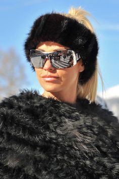 Pin for Later: The Fashion Girl's Guide to Wearing Sunglasses Winter Wear…