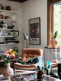 Historiska hem - Lilly is Love Home Interior, Interior Design Living Room, Interior Decorating, Next Living Room, Home And Living, Decoration Design, Retro Home Decor, Style At Home, Interior Inspiration