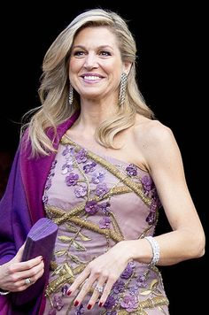 Maxima And Willem Alexander From The Netherlands To Amsterdam April 2017 14 2 Style Royal, Royal Queen, Fashion Details, Fashion Design, Queen Maxima, Victoria, Amsterdam, Celebs, Celebrities
