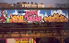 Graffity New York Subway Metro Happy Holiday