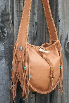 Handmade leather handbag Buckskin leather tote by thunderrose Leather Fringe, Leather Pouch, Leather Purses, Leather Handbags, Handmade Handbags, Leather Bags Handmade, Hippie Look, Boho Bags, Tambour