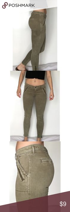 Hollister Skinny Cargo Pants These are super cute pants with detail zippers on the pockets and ankles. Excellent condition! Hollister Pants Ankle & Cropped