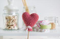 Heart balloon amigurumi - free crochet pattern - •✿• Teresa Restegui http://www.pinterest.com/teretegui/ •✿•