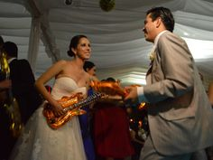 26 canciones para la entrada de los novios a su recepción - bodas.com.mx