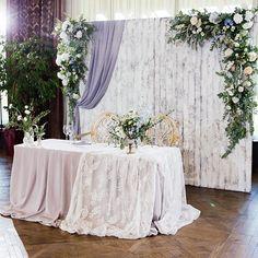 New Ideas Wedding Party Table Backdrop Decoration Rustic Wedding Colors, Rustic Wedding Reception, Wedding Stage, Backdrop Decorations, Backdrops, Wedding Centerpieces, Wedding Decorations, Bride Groom Table, Indoor Wedding Receptions
