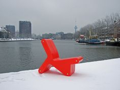 KEER chair in the snow at coolhaven, rotterdam