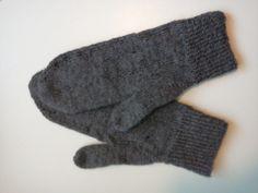 Håndlaget: wool mittens