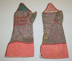 Mitts, 18th century, European, Silk. Total length: 12 1/2 in. (31.8 cm). Met, C.I.44.8.17a, b