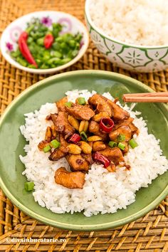 PUI CU ALUNE - PUI GONG BAO | Diva in bucatarie Asian Recipes, Ethnic Recipes, Chinese Recipes, Crockpot Recipes, Cooking Recipes, Bao, Chinese Food, Chana Masala, Foodies