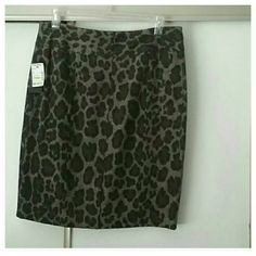 Cute trendy wool blend skirt NWT. .animal print.  Re-posh Skirts