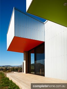 Like the colours and form. Grand Designs Australia: Mansfield House - Complete Home Grand Designs Australia, Australia House, Inside Outside, Contemporary Architecture, Houses, Colours, Outdoor Decor, Home Decor, Sheet Metal