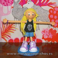Mini-Sonia Fofucha personalizada cuelga pulseras  Pide la tuya en masquecaprichos@gmail.com