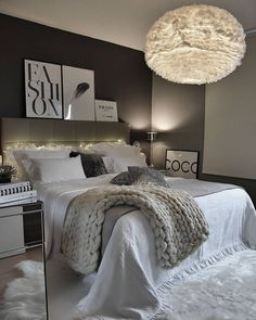 bedroom aesthetic black and white Room Ideas Bedroom, Home Decor Bedroom, Living Room Interior, Living Room Decor, Cool Apartments, Aesthetic Bedroom, Dream Rooms, My New Room, Room Inspiration