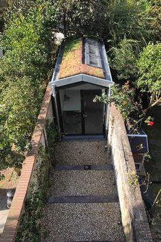 Zelf een huis bouwen | Bouw Je Eigen Huis.nl Tiny House, Facade, Gazebo, Villa, Outdoor Structures, Garden, Room, Bedroom, Kiosk