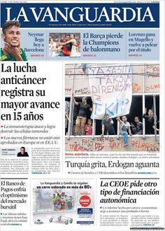Los Titulares y Portadas de Noticias Destacadas Españolas del 3 de Junio de 2013 del Diario La Vanguardia ¿Que le parecio esta Portada de este Diario Español?