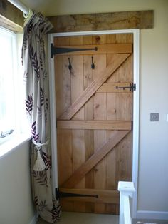 Benefits that you could derive by using the interior wood doors for your home or office. Internal Cottage Doors, 4 Panel Internal Doors, Internal Wooden Doors, Painted Doors, Wood Doors, Slab Doors, Barn Door Baby Gate, Cheap Interior Doors, The Doors
