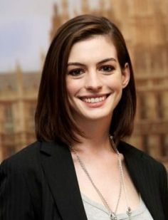 How to get Anne Hathaway Hairstyle and also see the pictures of Anne Hathaway Hair style . This page is has photos of Anne Hathaway hairsty. Oval Face Hairstyles, Medium Bob Hairstyles, Straight Hairstyles, Cool Hairstyles, Casual Hairstyles, Layered Hairstyles, Pinterest Hairstyles, Celebrity Hairstyles, Medium Hair Cuts