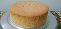 4 ovos (retirar a pele das gemas)  - 125 gr de açucar refinado ou cristal | (aprox. 3/4 de xícara)  - 125 gr de trigo | (aprox. 1 xícara)  - 5 gr de fermento | (1 colher de café)