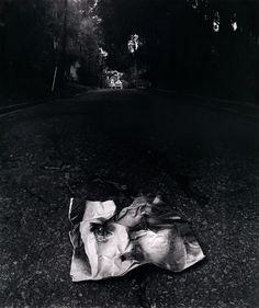 Home Is A Memory by Jerry Uelsmann. LO le terne fantôme d'une solitude amricaie - home is history - photographie de J.N Uelsmann - E-U - 1963 Photomontage, Surrealism Photography, Art Photography, Creative Photography, Jerry Uelsmann, Pix Art, Berenice Abbott, Portraits, Ansel Adams