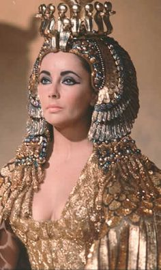 Elizabeth Taylor as Cleopatra Photo Gallery | elizabeth-taylor-as-cleopatra-in-gold-1963