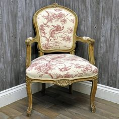 Antique Finish French Style Louis Arm Chair with Printed Linen Fabric
