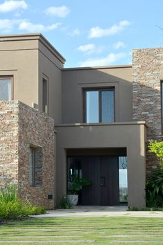 Modern Exterior House Designs, Exterior Paint Colors For House, Dream House Exterior, Cool House Designs, Classic House Design, House Front Design, Balcony Grill Design, Br House, Country Home Exteriors