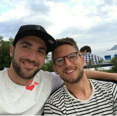 Gonzalo e Mertens em momento relax